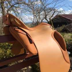 Amazona Dressage 2000 - Farbe: London Glattleder, inklusive Sitzheizung Amazona Thermo