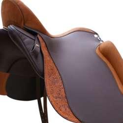 Glattleder moro, Sitz und Pausche cognac, 2. Sattelblatt geprägtes Leder