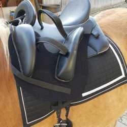 Pferdesattel für Behinderte