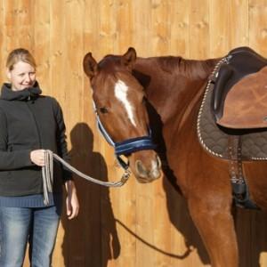 Gewinnerin der Cavallo Leserwahl freut sich über Ihren neuen El Primero von Iberosattel
